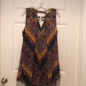 Umgee Sleeveless blouse size large